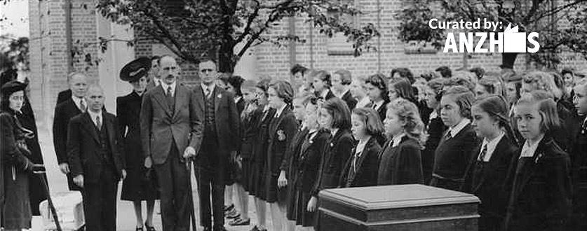 Gilles School Infants Class. Adelaide 1941.
