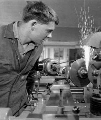 SA tech metal work 1964 BRG 347 1282
