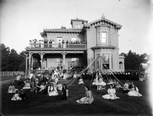 Sacred Heart Convent School, Wanganui, 1912. Pupils and sisters in front of school and a maypole. Photographer, Frank Denton. Courtesy Alexander Turnbull Library: Ref: 1/1-021229-G Collection: Tesla Studios: Negatives of Wanganui and district